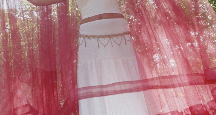 La gasa de algodón es una tela delicada.