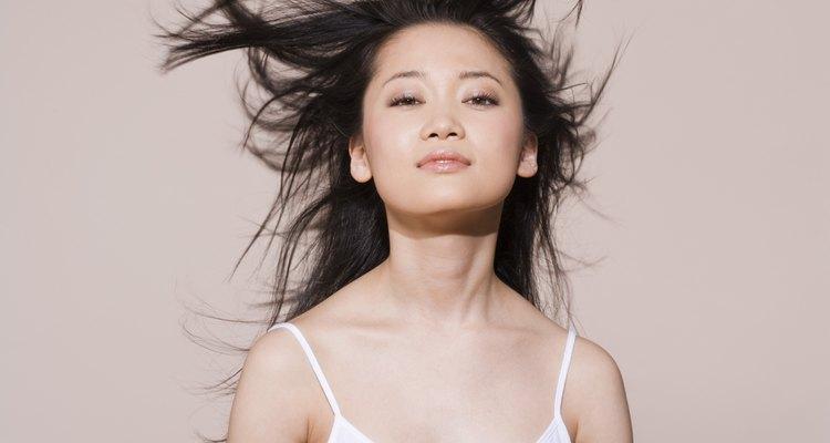 Obtén un cabello con olor fresco con remedios caseros para este fin.