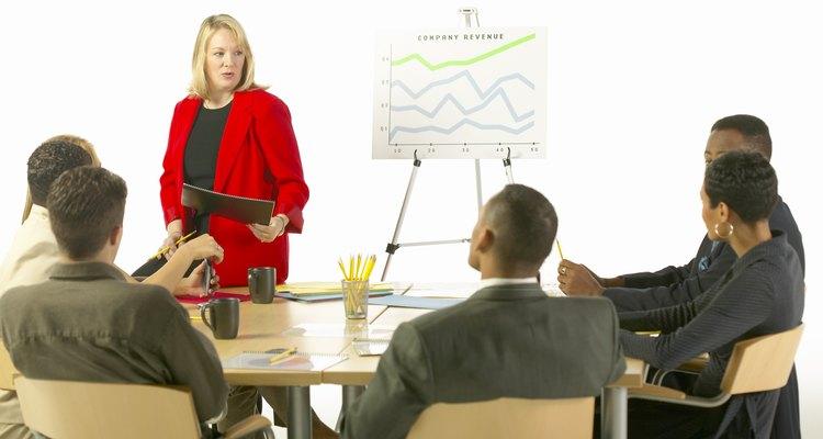 Un gerente de finanzas con licenciatura puede aumentar sus posibilidades de promoción.