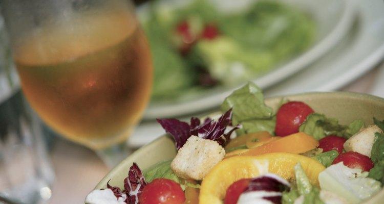 Salada com vinho
