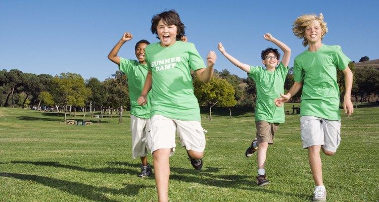 Crianças italianas gostam de brincadeiras ao ar livre e com vários participantes