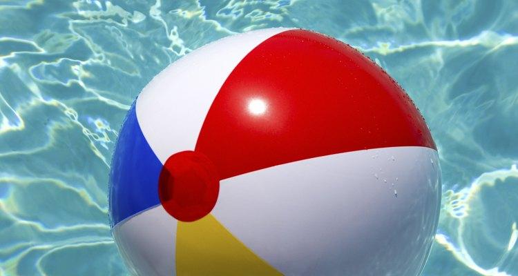 Uma bola de praia furada pode ser facilmente consertada