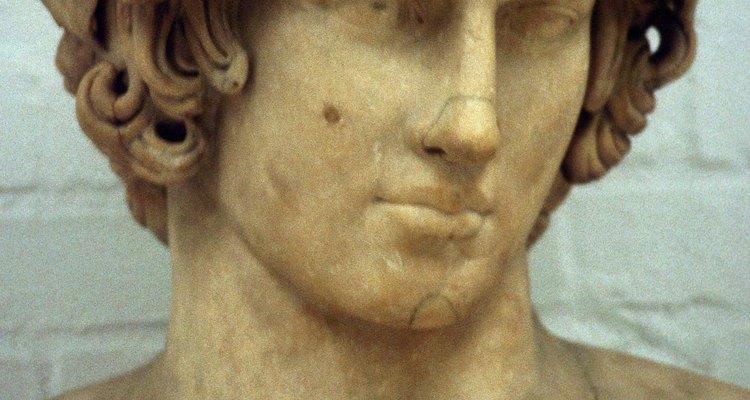Las estatuas romanas solían tener una guirnalda alrededor de la cabeza.