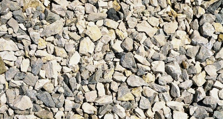 La base de camino es la primera capa de piedra que va sobre una entrada de coches de gravilla.