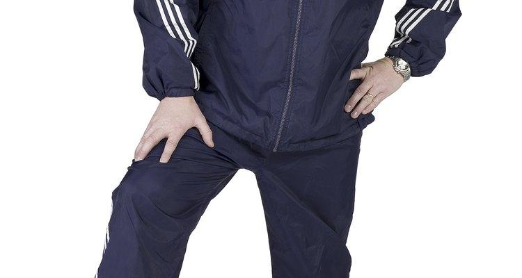 Los chinos, o pantalones caqui, como a veces se les llama, son imprescindibles para todo guardarropa, ya que proporcionan comodidad y versatilidad para estar más o menos arreglado, lo que es ideal para la mayoría de las ocasiones.