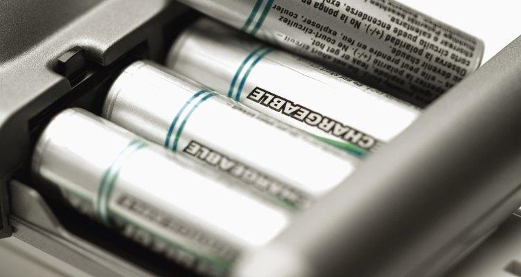 Uma recarga completa seguida por uma descarga completa frequentemente pode consertar uma bateria com falha