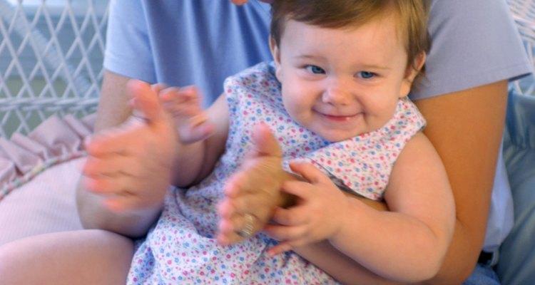 Ayuda a tu pequeño para aprender a aplaudir con ritmo.