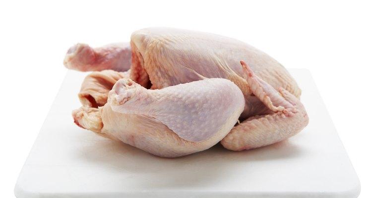 Limpe o frango antes de cozinhá-lo