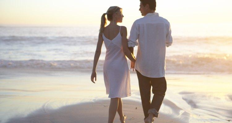 También podrían dar un paseo tomados de la mano por una playa cercana.