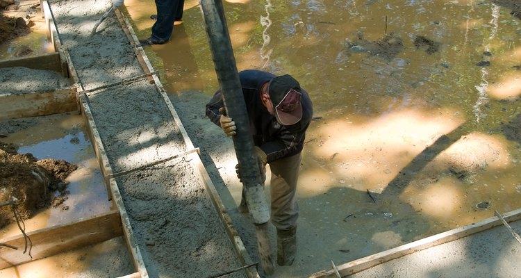 Evita que el cemento se adhiera a la madera.
