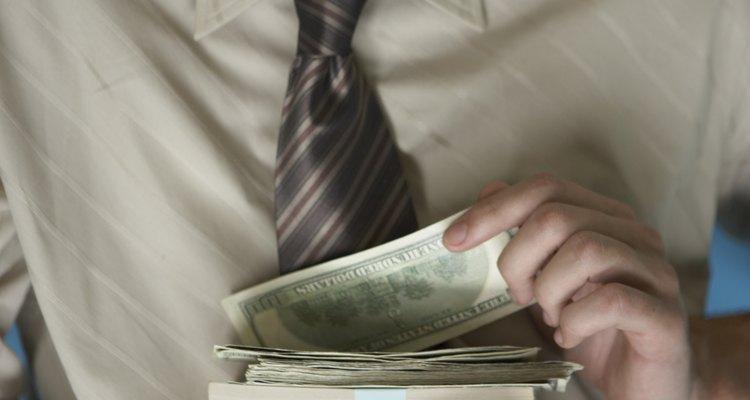 Si se sospecha que un empleado roba a la empresa o compañeros de trabajo, es causa de despido.