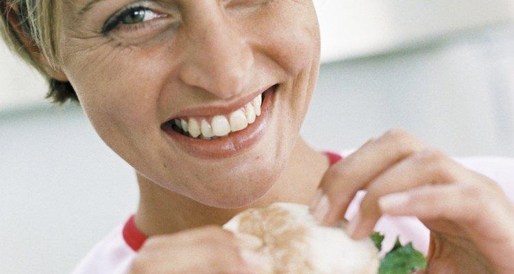Acrescente mais vegetais ao seu prato e diminua os carboidratos