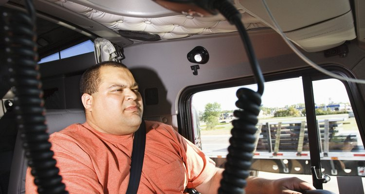 Hay varios empleos con excelentes pagos en la industria camionera.