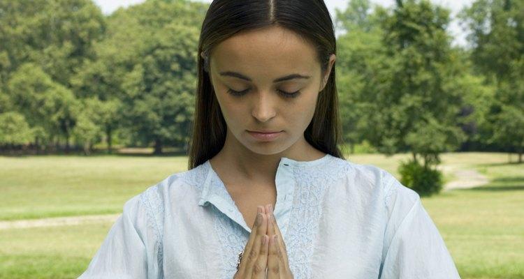 As mulheres têm desempenhado um papel nos dois, o hinduísmo e o budismo, ao contrário daqueles vistos em religiões ocidentais