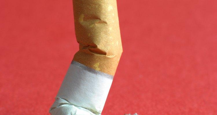 Há boatos de que fumar o filtro do cigarro pode causar impotência