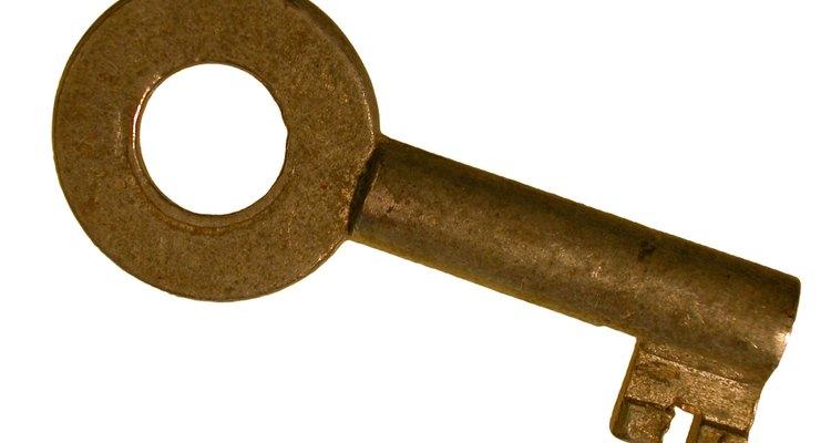 Puedes hacer que un objeto luzca antiguo mediante la aplicación de bronce envejecido de fantasía.