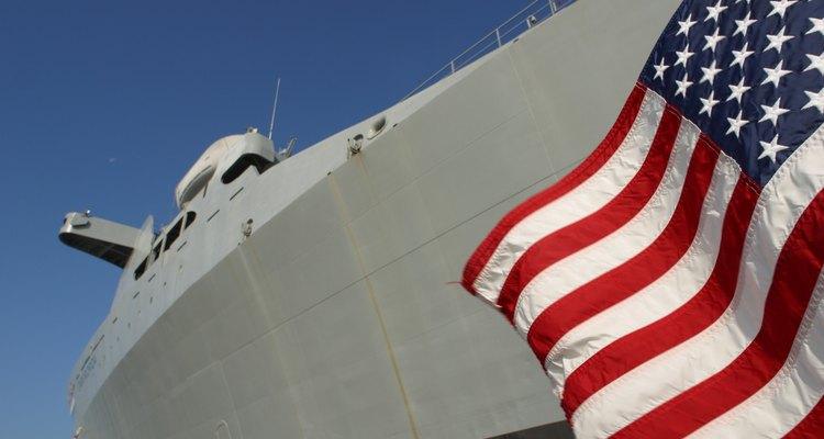 Los equipos SEAL consisten en miembros de muchas filas diferentes en la Marina.