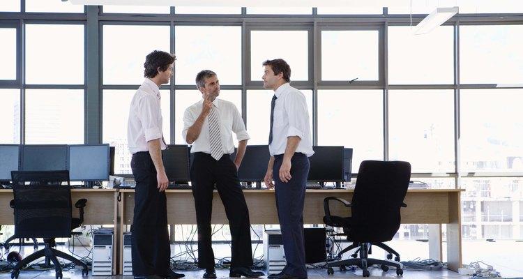 Ser diplomático en el trabajo requiere escuchar distintos puntos de vista.