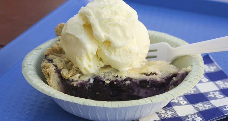Elige entre recetas fáciles de hacer o métodos más intensivos para crear helados caseros.