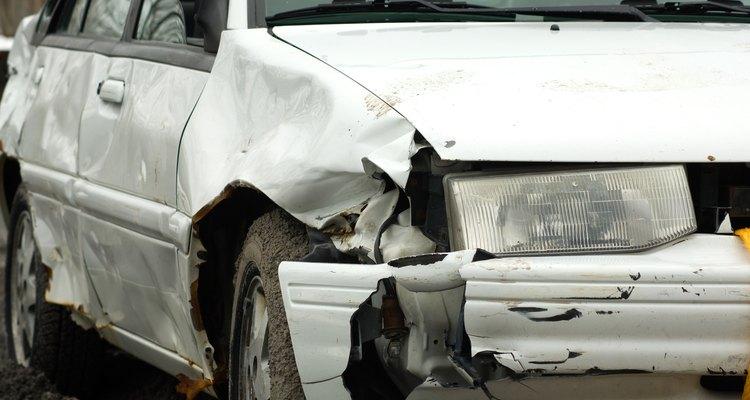 Aunque el vehículo de atrás tenga mayor daño, a ti te deben pagar.