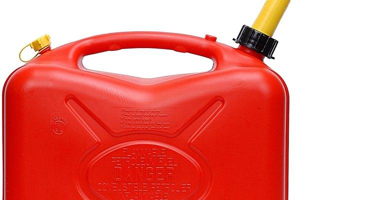 Deshazte del olor a gasolina con estos pasos.