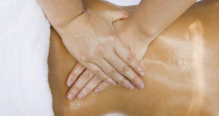 Uma massagem é uma ótima opção para dar uma nova percepção de toque ao seu amigo