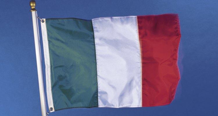 La bandera tricolor italiana se adoptó después de la liberación en 1946.