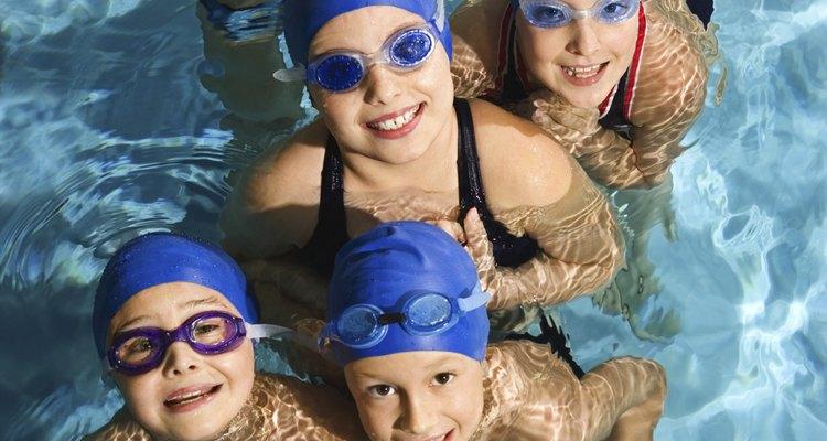 Como evitar que os óculos de natação embacem