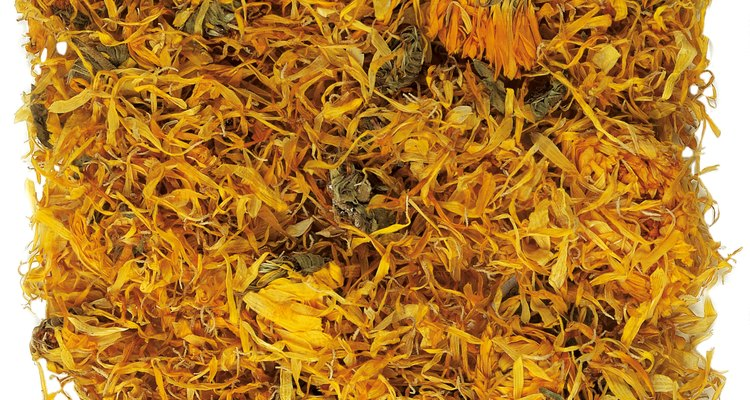 Check with the FDA to learn how to package and import saffron for commercial usage.