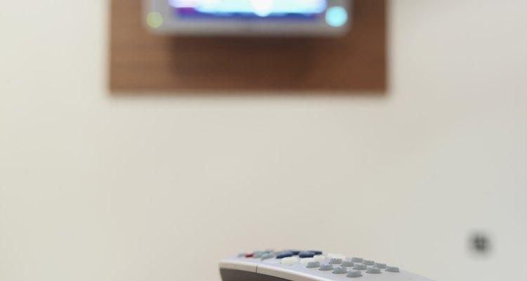 Se sua TV estiver com a imagem e o áudio fora de sincronia, há alguns procedimentos que podem acabar com esse problema