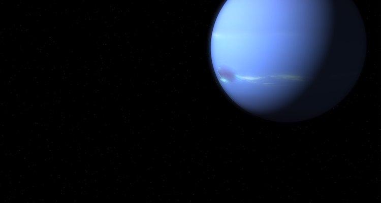Nombrado por el dios del mar, Neptuno de un azul brillante tiene 13 satélites.