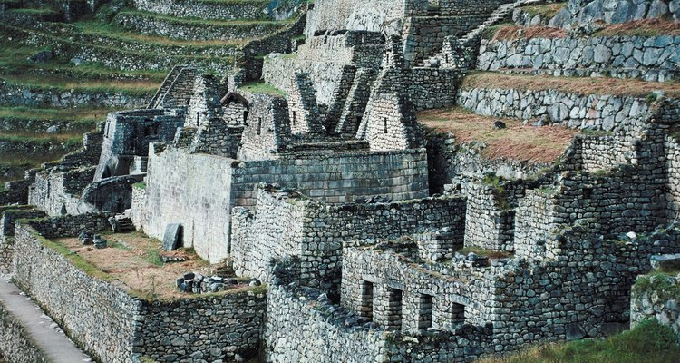 Certas vezes, os incas sacrificavam crianças, como parte de um ritual