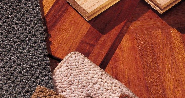 En las muestras de alfombra se pueden ver las diferentes capas o telas compuestas.