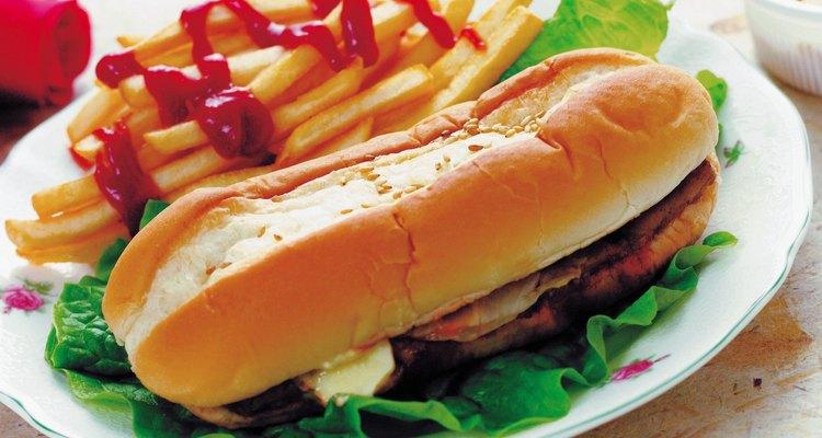 Una dieta grasosa puede causar problemas con la vesícula biliar.