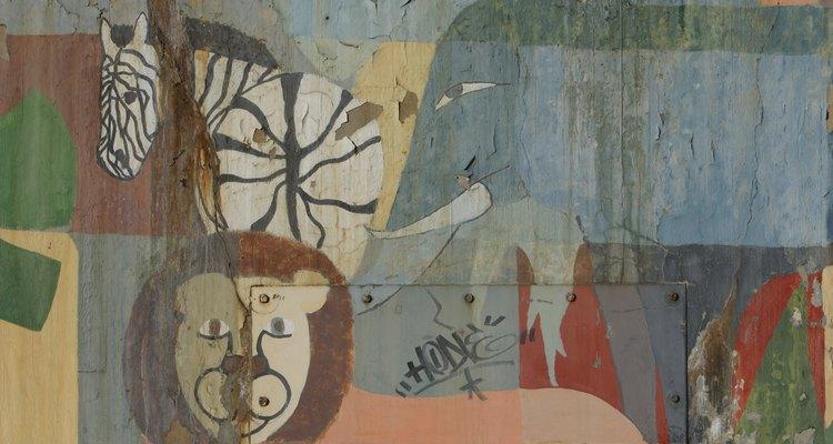 Cuelga una imagen de una manada o de un elefante solo en tu pared.