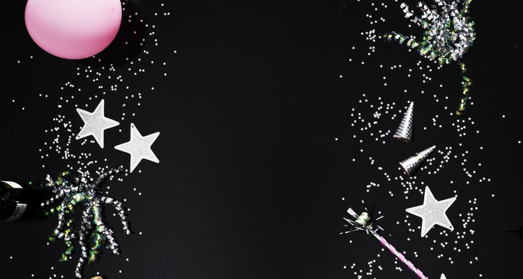 Añade estrellas en tu centro de mesa para hacerlo fuera de este mundo.