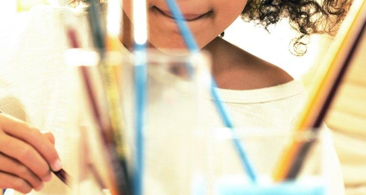 Las actividades artísticas desarrollan habilidades que ayudarán a tu hijo a tener éxito.