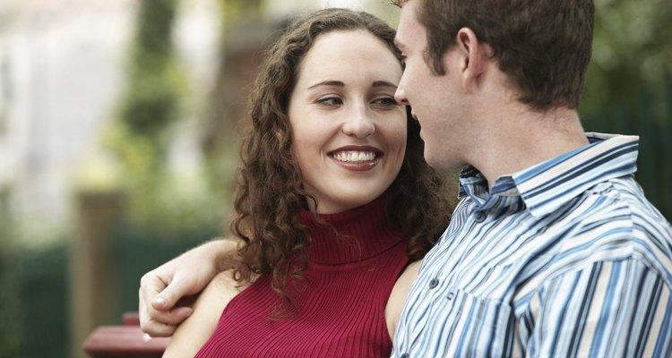 Hacer de una chica en especial una novia es un gran paso para la mayoría de los hombres.