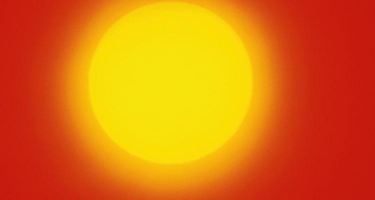 Al limpiar los chakras es mejor imaginar todos los colores variados tan radiantes como el sol.