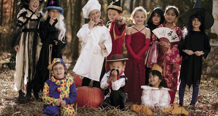 Inclua seus filhos na confecção de suas próprias fantasias para o Dia das Bruxas