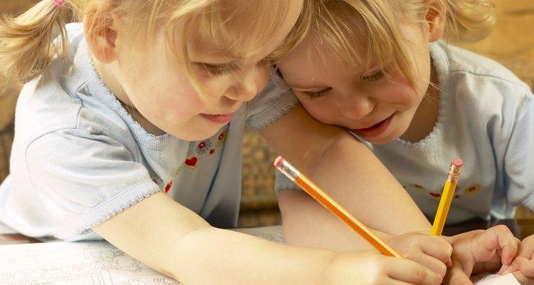 Desenvolva a criatividade, leitura e trabalho em equipe de seus filhos com o jogo Picionary Junior