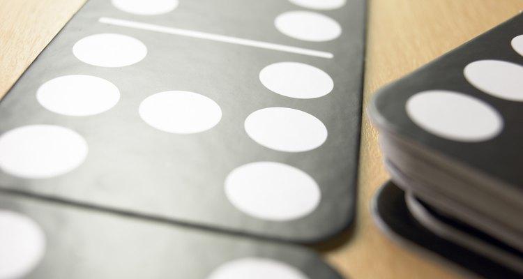 Aprenda estratégias para vencer nos jogos de dominó