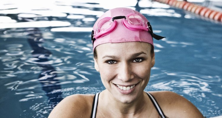 Nadar quema una cantidad significativa de calorías.