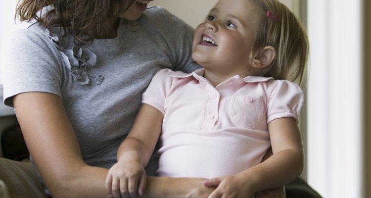 A la edad preescolar, los niños han comenzado a iniciar conversaciones.