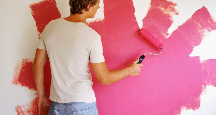 Hay algunas técnicas para aclarar pintura luego de haberla aplicado a una superficie.