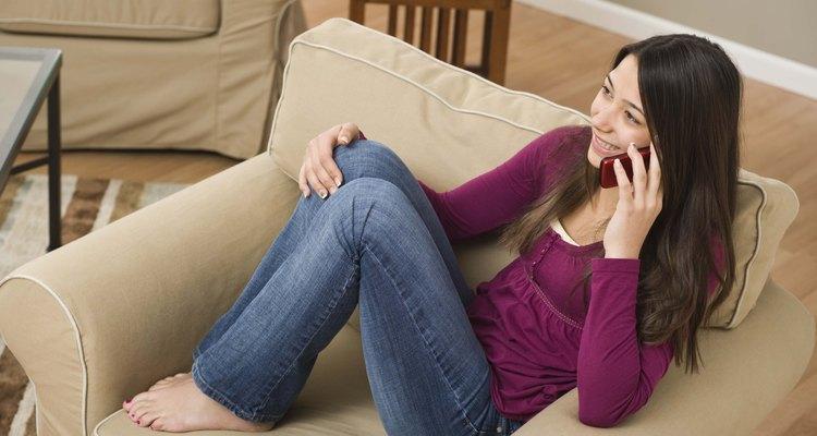 Jogar jogos no telefone com a sua namorada pode ajudar a manter a comunicação excitante e interessante