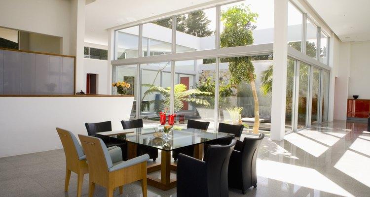 Antes de empezar a colocar paneles solares en tu techo, date cuenta de que el sol ya está calentando tu hogar.