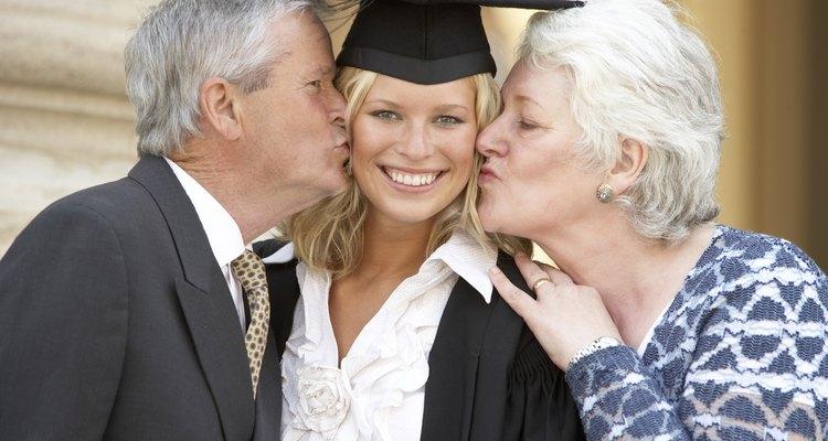 ¿Cómo debe vestirse la madre para una graduación?