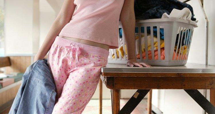 Una mesa plegable funciona bien en un lavadero o en la cocina.