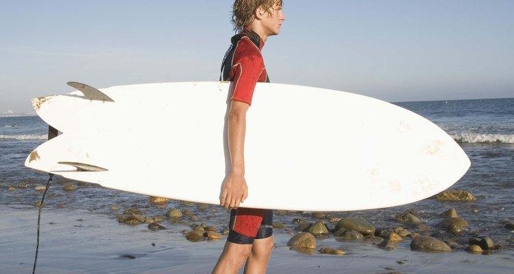 Aulas de surfe podem ser bastante legais para um garoto de 17 anos
